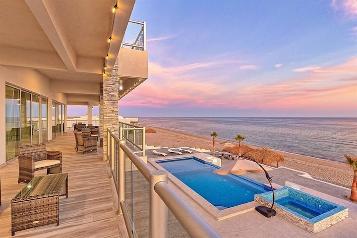 Luxury Beachfront Six Palms Villas #4. Playa Encanto