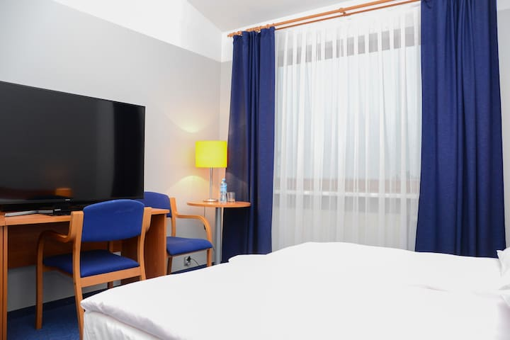 Polin Rooms