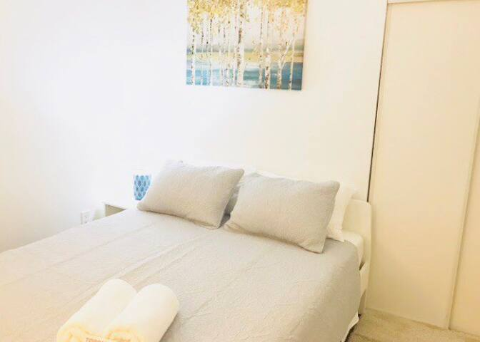 Location!!! Room in the Entertainment District