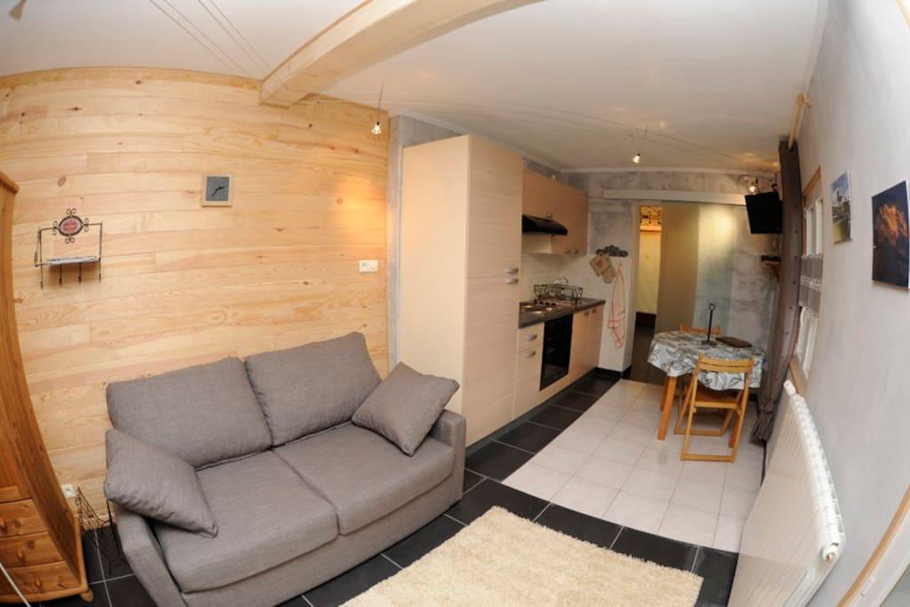 Studio dans maisonnette maisons louer annecy rh ne for Annecy maison a louer