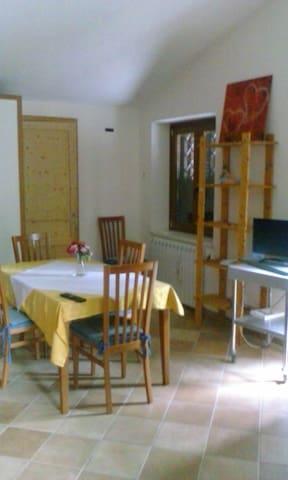villetta per famiglie con giardino - roio piano - Daire