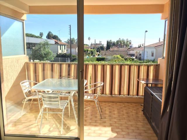 GOLFE JUAN 2 PIECES AVEC SA TERRASSE SUD - Vallauris - Apartamento