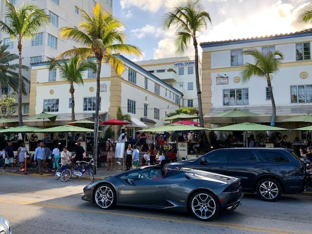 Famous restaurants, bars, and clubs are within walking distance from the property.