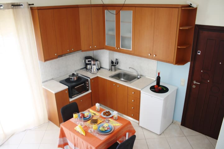A fully equipped kitchen is there for you in order to prepare Mediterranean and many other kind of meals.