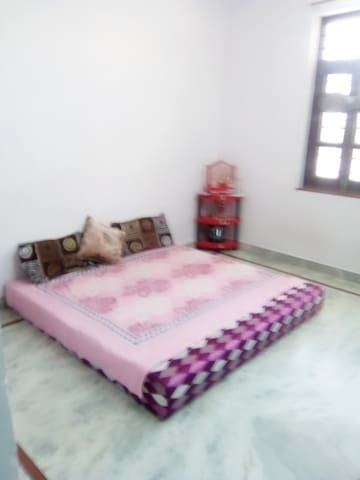 Udaipur Best Homestay with Yoga and Wellness