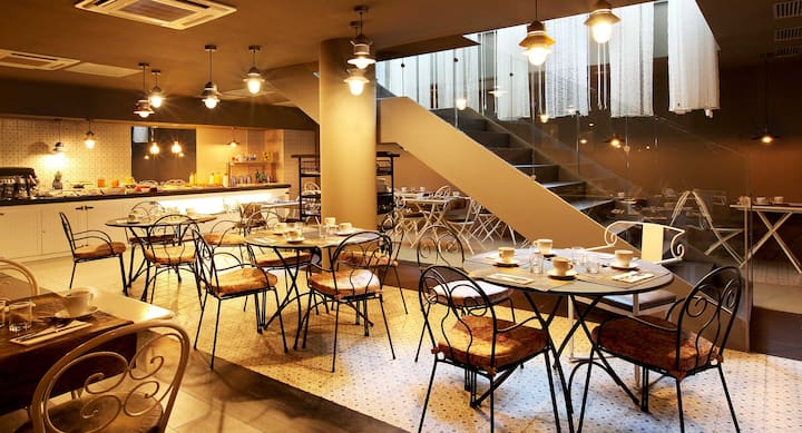 Axel City Doble with Breakfasts - 1 Pax