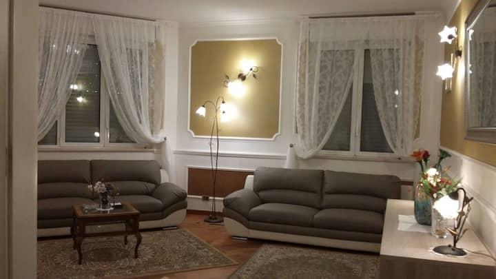 Lussuoso appartamento  in villa a pochi km da Bari