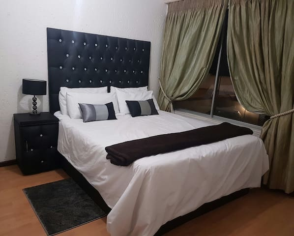Sandton Central 31 - 1 bedroom apartment