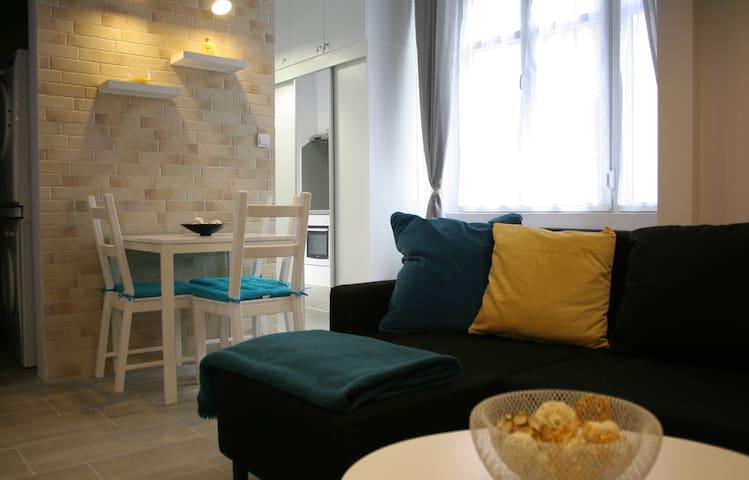 Kiraly-Gozsdu-Deak Duplex-style  33sqm+7sqm Galery - Budapest - Apartment