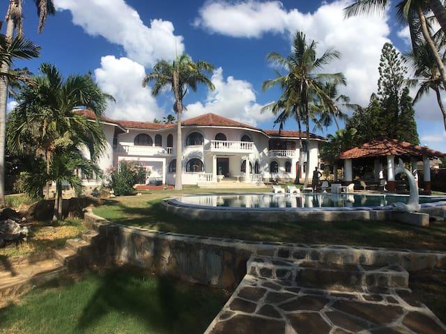 Ocean facing luxury villa