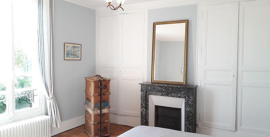 Charmante chambre maison dans Vexin à 50' de Paris
