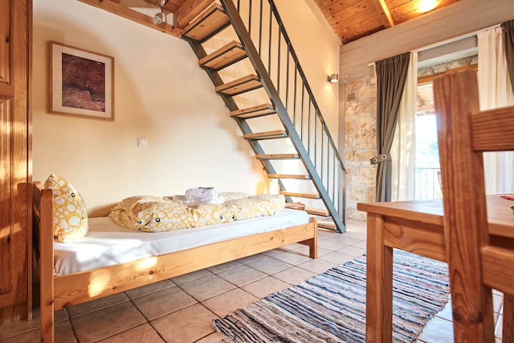 Four-Bed Attic - Hostel Elisson