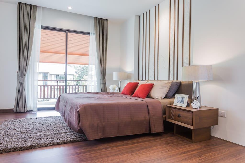 Master's bedroom-King bed 卧室2—双人床1.8米宽