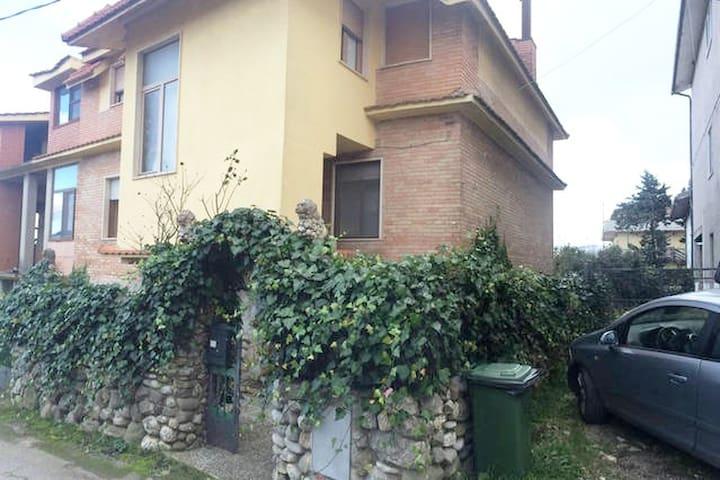Affascinante Villa trilocale - Castel Lagopesole - วิลล่า