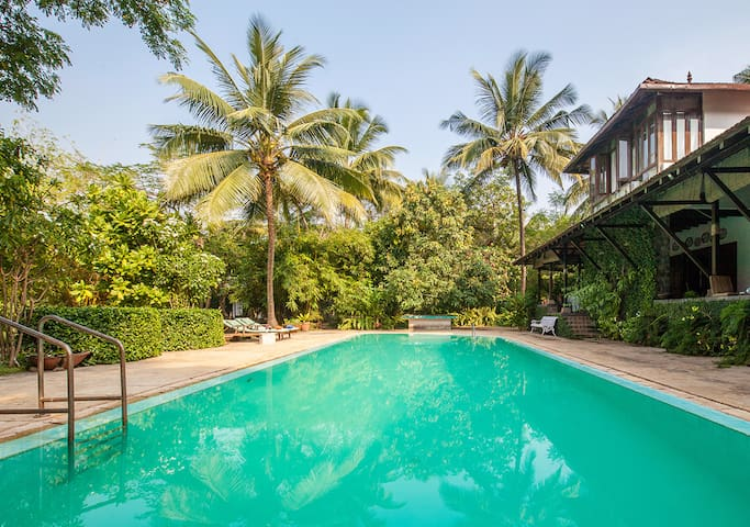 Raintree, Villa with Pool near Kashid Beach,Alibag