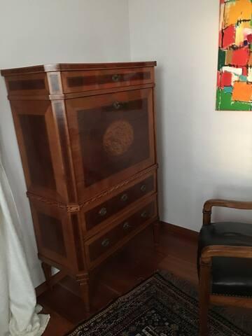 Schreibecke in Schlafzimmer 1