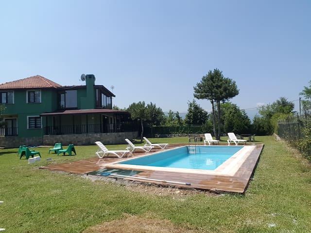 müstakil havuzlu villa doğa içinde huzurlu bir yer