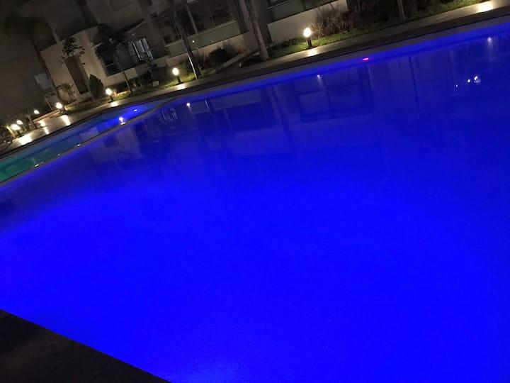 Bel appartement neuf vue sur piscine wifi parking