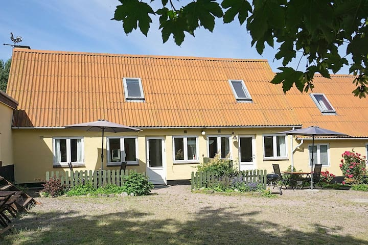 Cozy Apartment in Svaneke with Barbecue