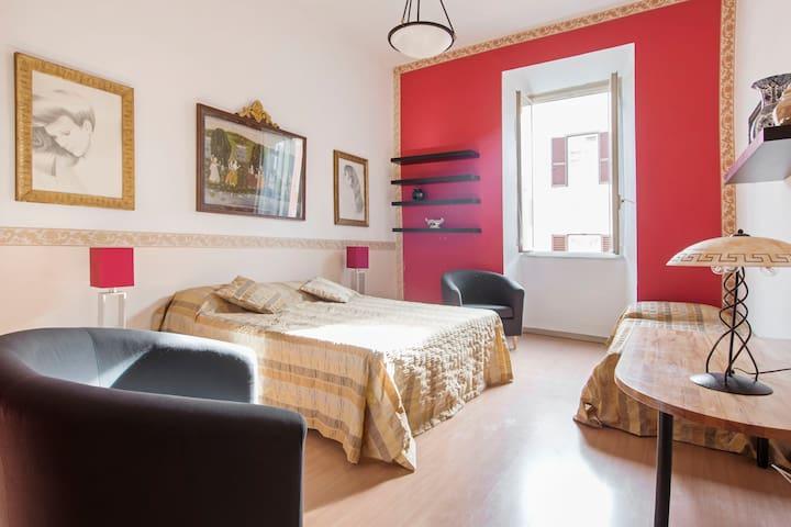 Elegante trilocale nell'antica Roma - Roma - Condominium