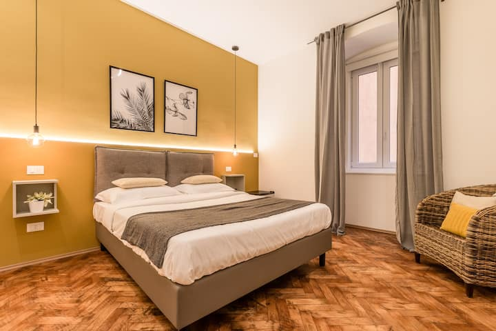 Brand New guest room with Free WIFI in the City Center