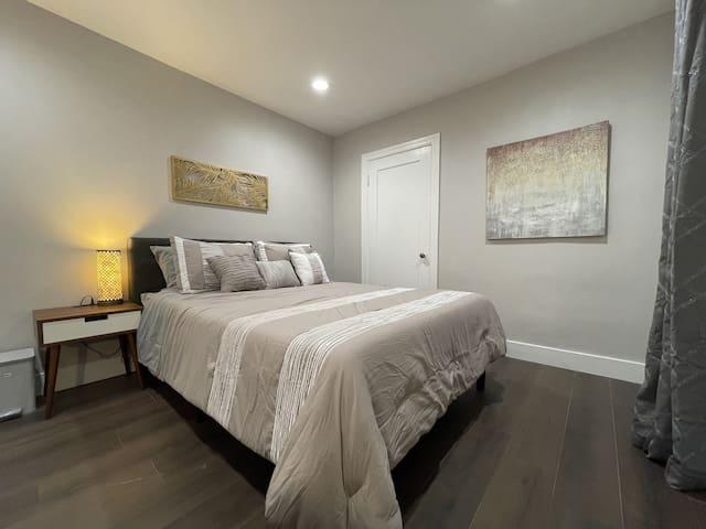 Guest Bedroom - Tempurpedic Cloud Mattress