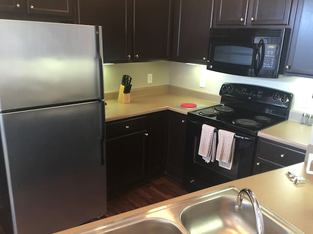 1BR/1BA in Fishers near Saxony Health - Fishers - Appartamento