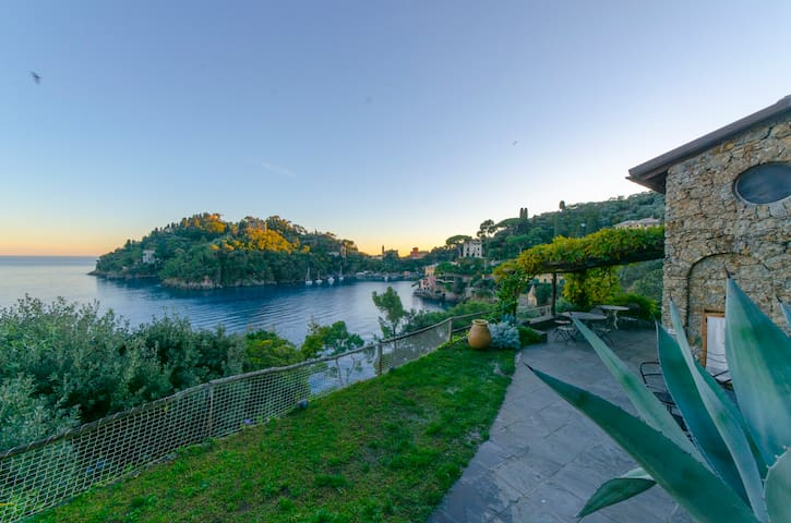 Hintown Unbelievable  GuestHouse in Portofino