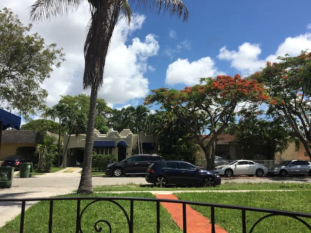 Studio apartment at great location - Miami - Maison