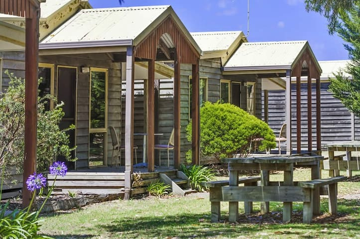 Surfside Cabin #4 - Ocean Grove 2 Bedroom Unit