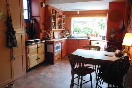 Rural retreat near Dorset ridgeway - Marshwood - บ้าน
