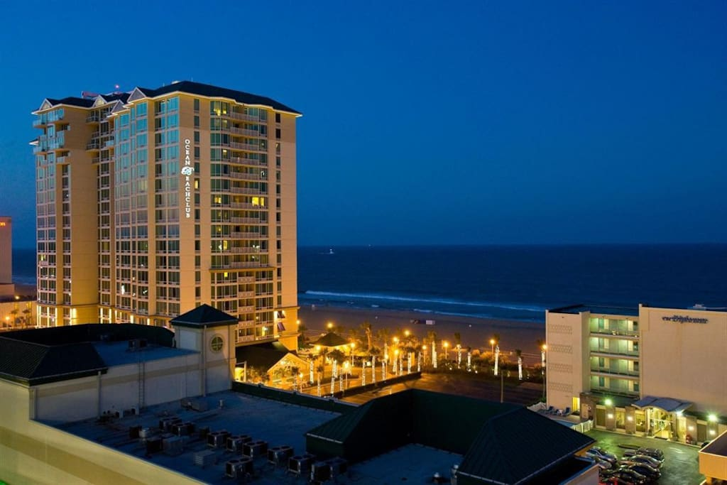 beautiful oceanaire resort room condominiums for rent in. Black Bedroom Furniture Sets. Home Design Ideas