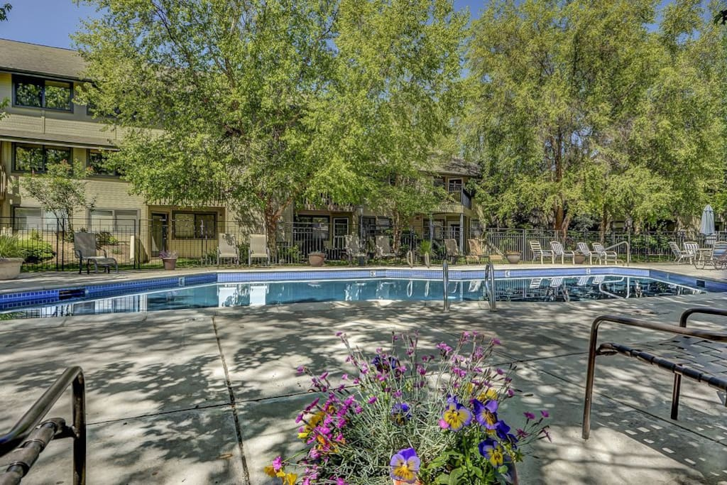 Amenities...Pools, spas, workout rooms, courts, business center and more!