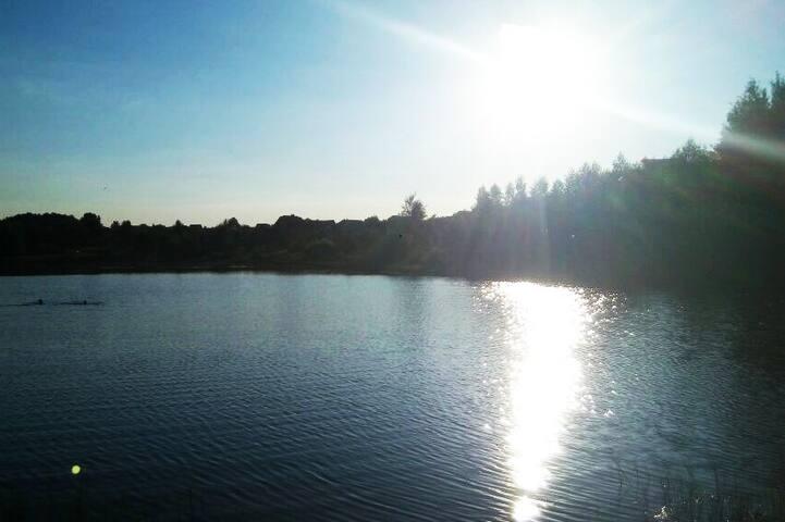 Озеро неподалеку от дома/The lake nearby the house