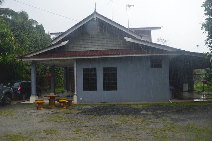 Penginapan Rumah 5 Bilik d'Nuur Homestay