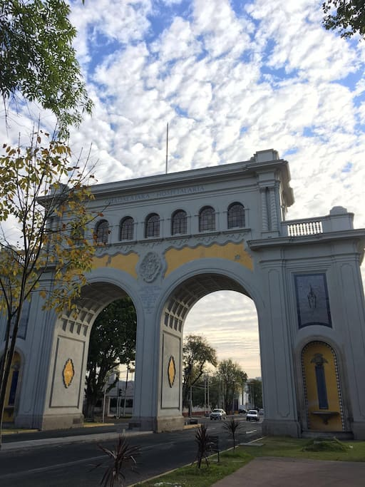 Los Arcos de Guadalajara are a pair of majestic arches in the city of Guadelajara. In the tradition of the Arc de Triomphe in Paris, the arches were originally designed as an extravagant entrance to the city but the metropolis gradually expanded around them over the years.