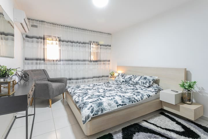 ❤Private All NEW Apt in a Quiet Area w AC, PAKG♛
