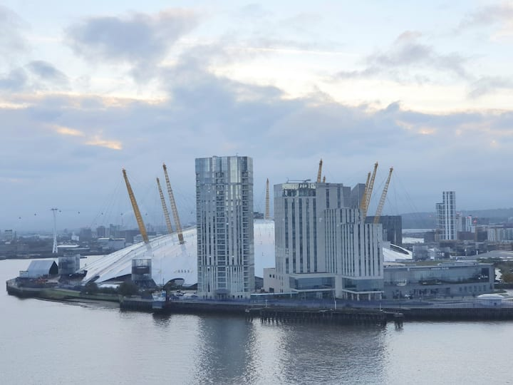 NEW Luxury - Greenwich 2 bedroom apartment