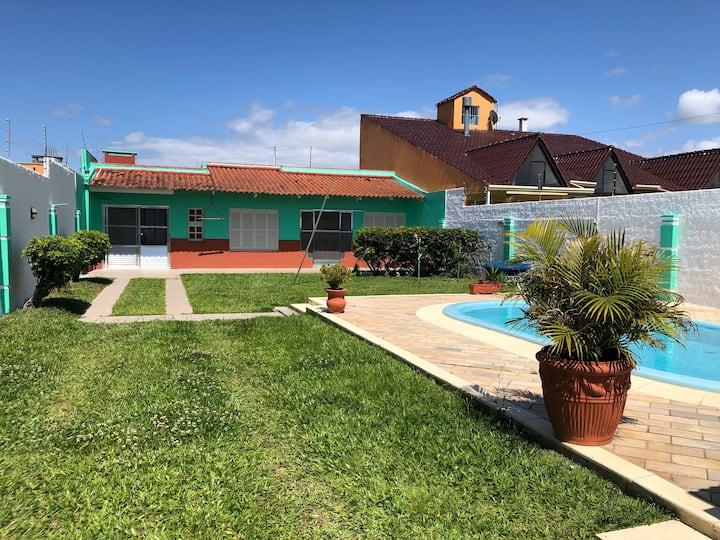 Excelente casa para temporada na Praia do Laranjal