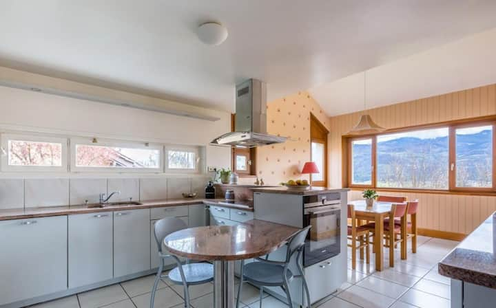 Charming house with great view on Belledonne