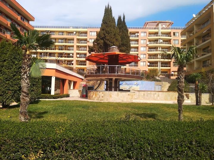 Апартаменты со спальней в Vigo. Первая линии