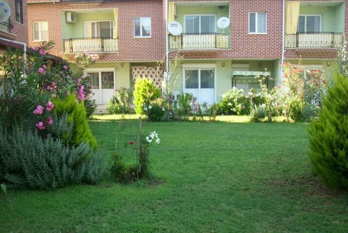 A.demirci bahçeli dublex ev güzelçamlı kuşadası