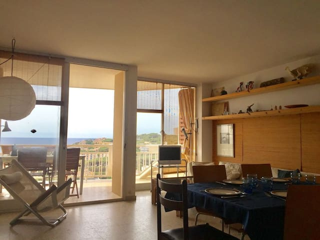 Sunny, quite apartment with spectacular see views