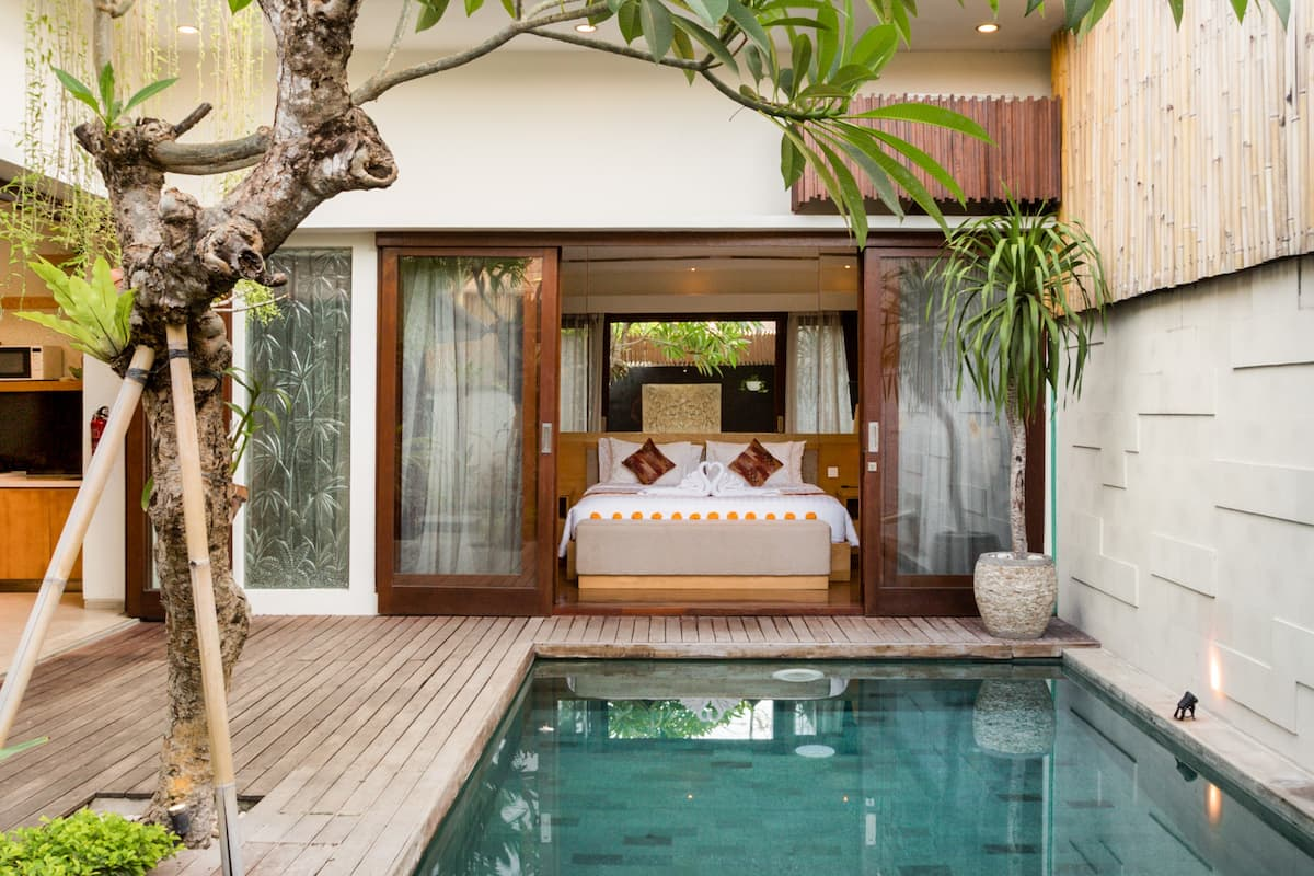 Zen in Modern Tropical Villa with Pool and Hot Tub Seminyak