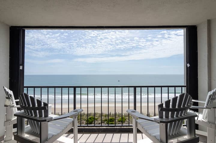 Envious Escape-Newly renovated condo in the heart of Wrightsville Beach!