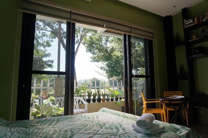 Hidden Charming Contemporary Suite in Uptown CDO