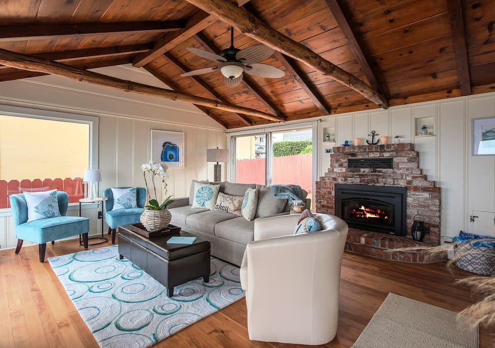 Vintage Pacific Grove oceanfront cottage, beautifully restored. All new furnishings with a charming seashore theme.