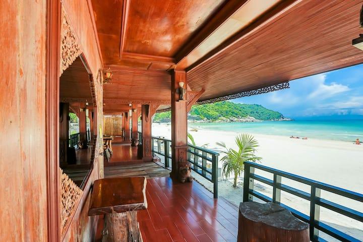 Full Moon Resort Thai House Villa Beach Front