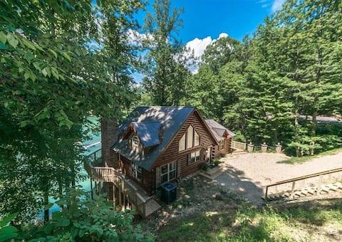 Bearfoot Lodge on Lake Watauga