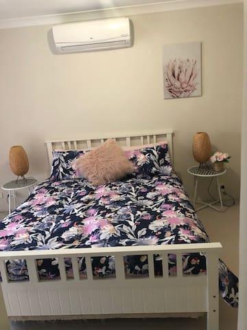 Comfy nights sleep in the Queen Bed